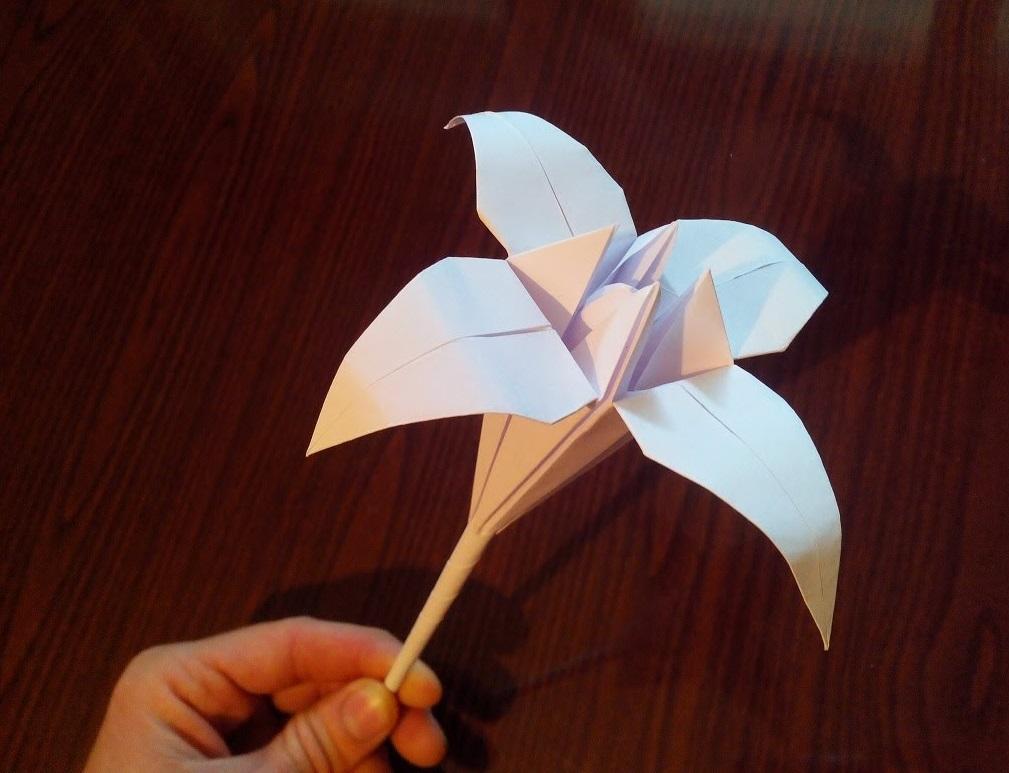 Лилия как сделать из бумаги 960