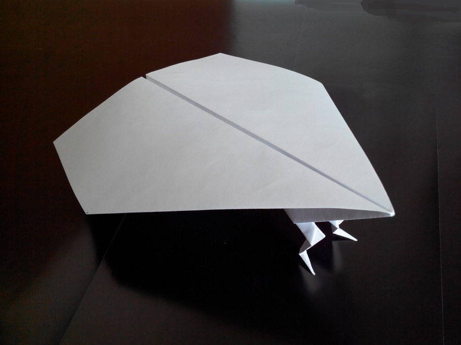 Бегущий самолет оригами