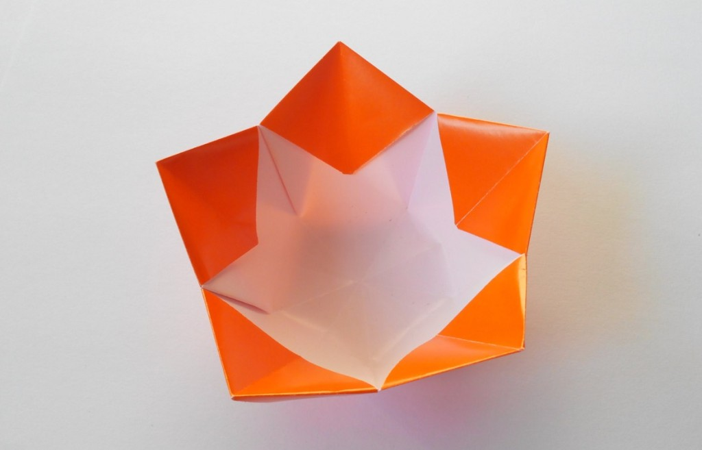 Красивая вазочка оригами