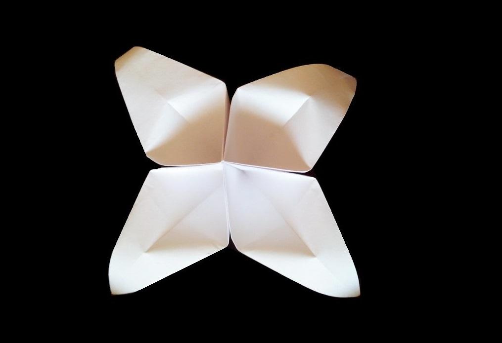 Простая лилия оригами