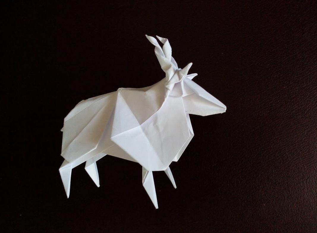 Винторогий козел оригами (Jun Maekawa)