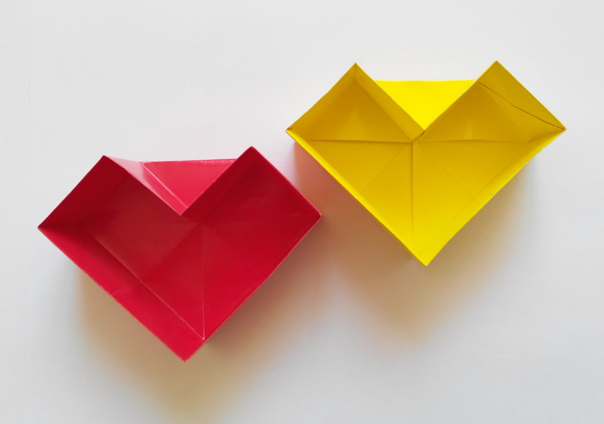 Коробочка в виде сердца (Romi Halabaso)