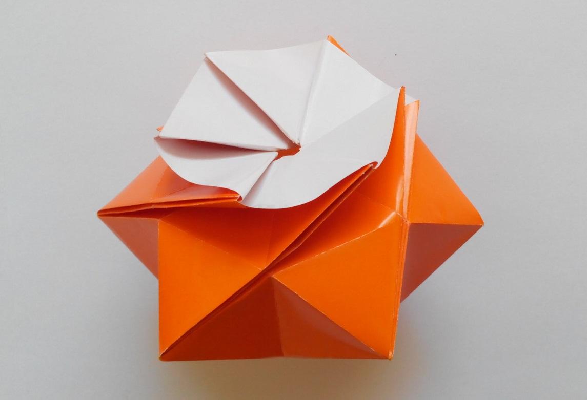 Коробочка в виде шестиугольной звезды оригами1