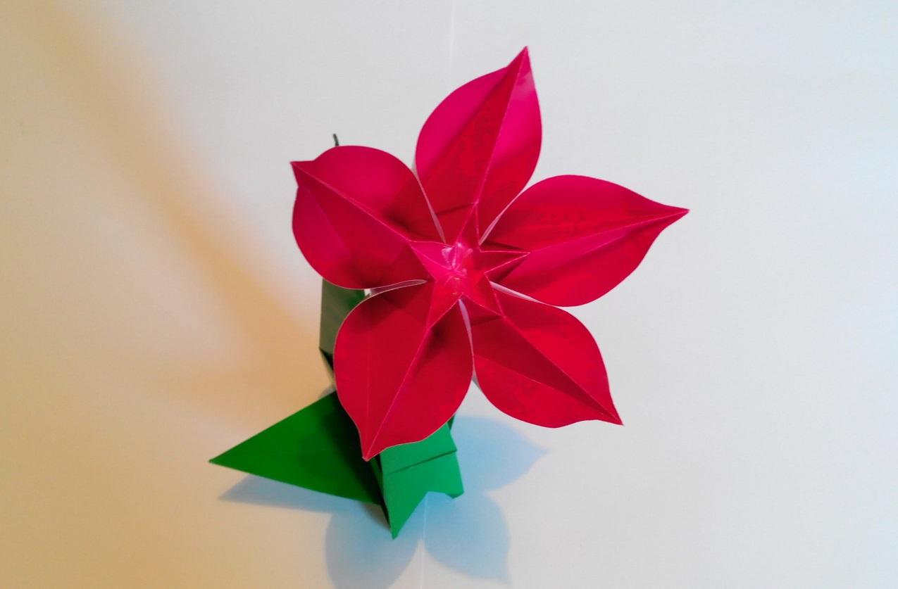 Как сделать из бумаги цветок на стебле