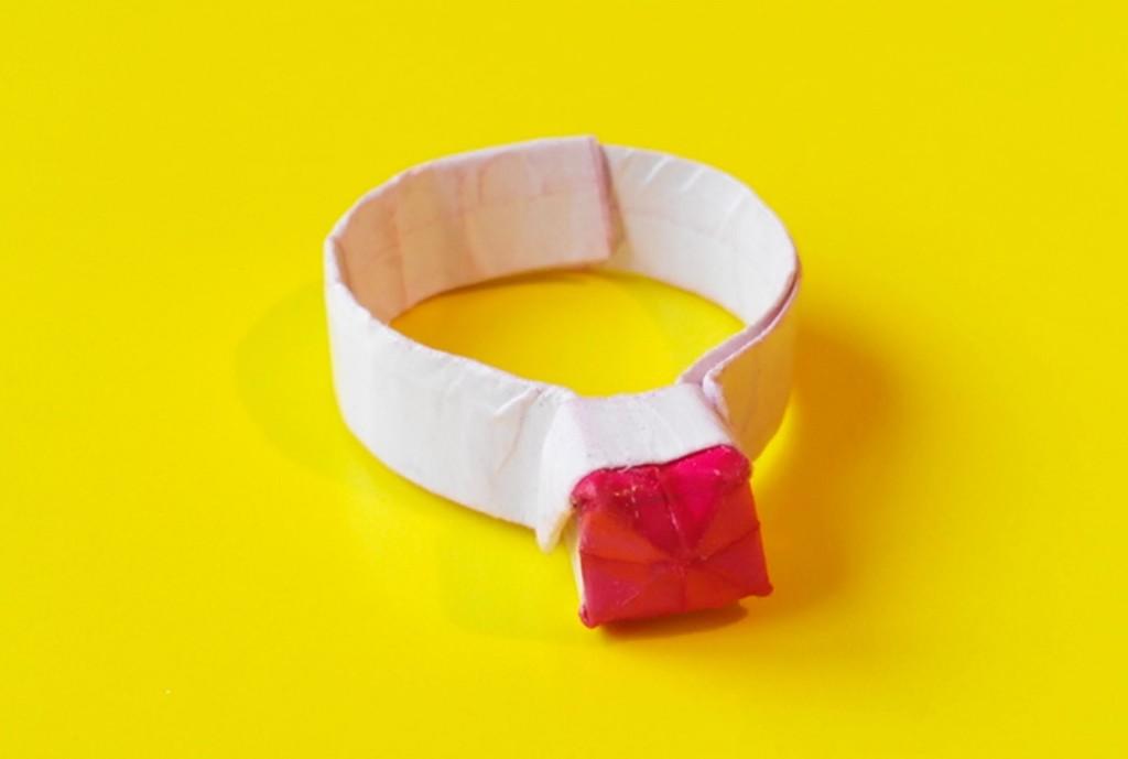 Колечко с камушком оригами