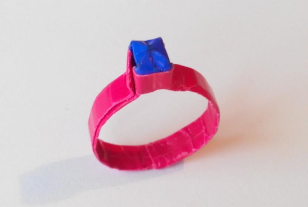 Кольцо с камушком разного цвета оригами