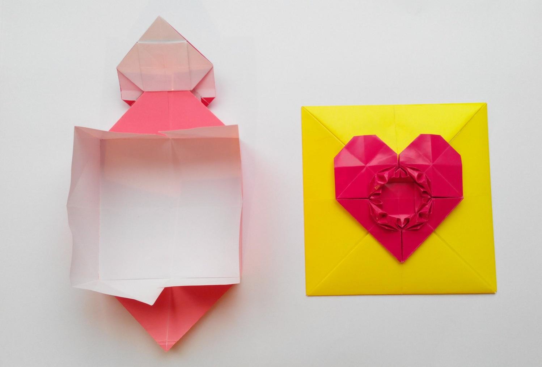 Конверт с сердечком застежкой оригами