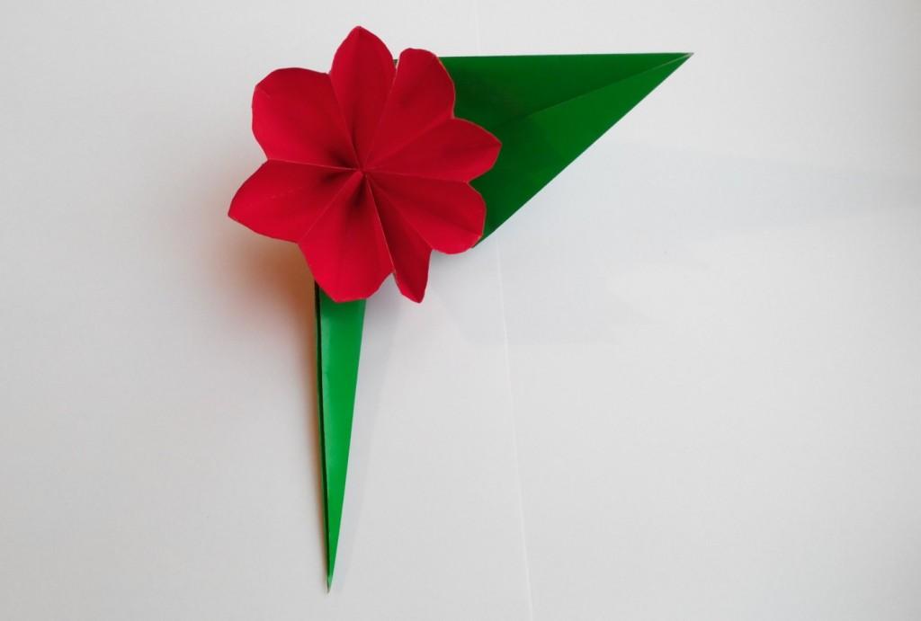 Красивый цветочик оригами