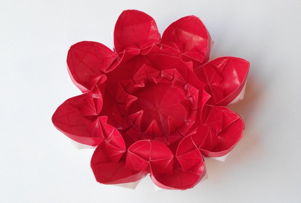 Оригами раскрывающегося цветка