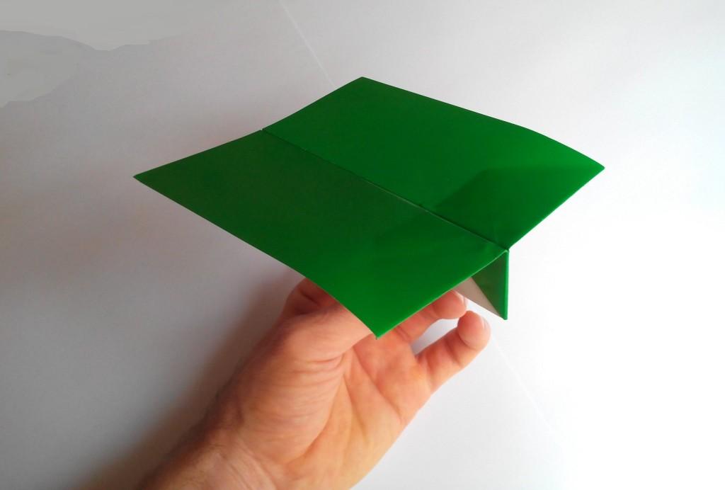 Квадратный самолет оригами
