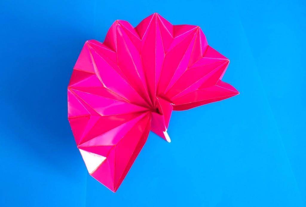 Красивый павлин оригами