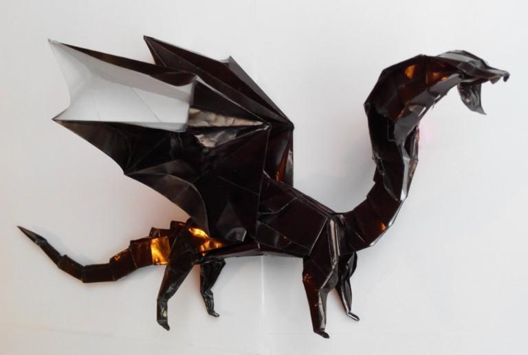 CHernyj-drakon-origami-Aleksej-ZHigulyov4-768x517