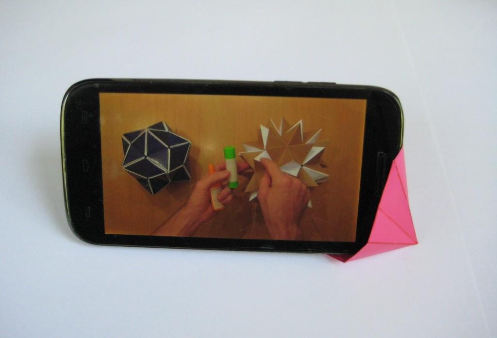Подставочка для смартфона оригами