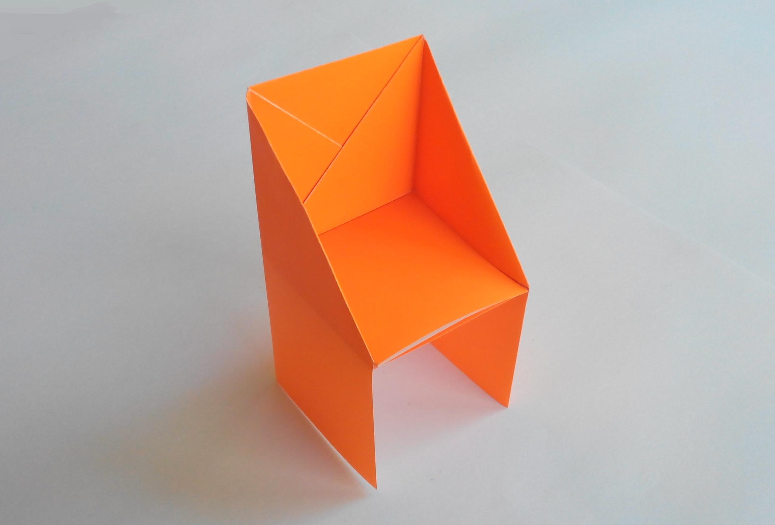Простой стул оригами