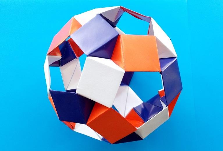 Кусудама из 3 цветов и 30 модулей оригами (Tomoko Fuse)