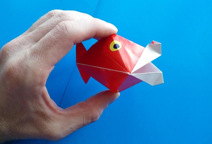 Открывает рыба рот оригами