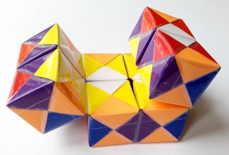 Сонобе, куб бесконеч соединен скотчем