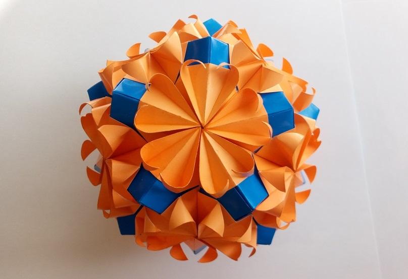 Кусудама Вы Любящий оригами (Kankichi)